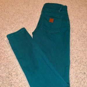 Roxy junior teal skinny jeans. NWOT! Size 1/25